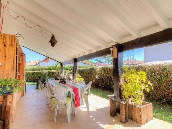 Hotel Pictures: Holiday Home Des Lavandes, Tarnos