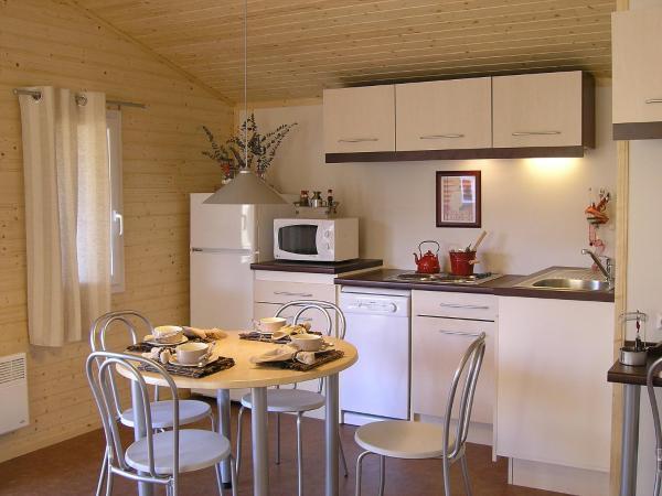 Hotel Pictures: Apartment Hameaux des Marines.3, La Michelière