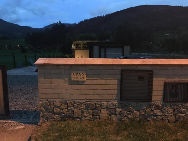 Hotel Pictures: Portal de Iza, Iza