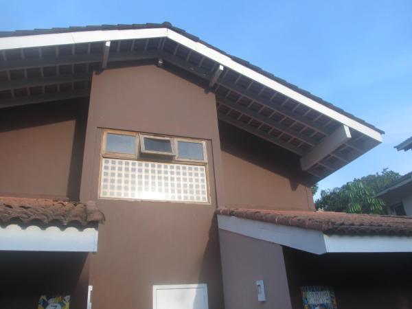 Hotel Pictures: Condomínio Vila do Mar Casa 5, Baleia
