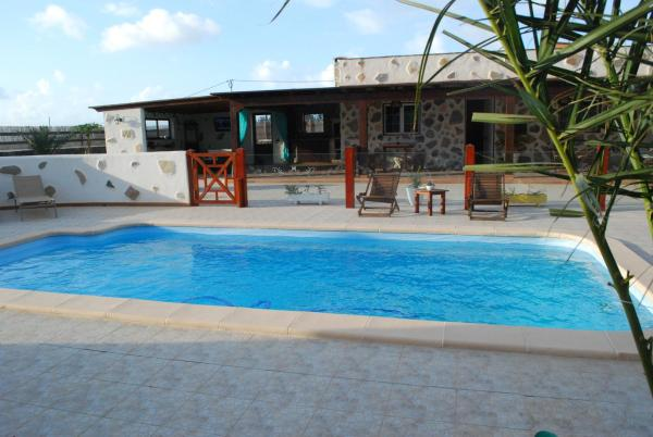 Hotel Pictures: , Playa del Aguila