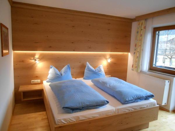 Hotellikuvia: Haus Adler, Waidring