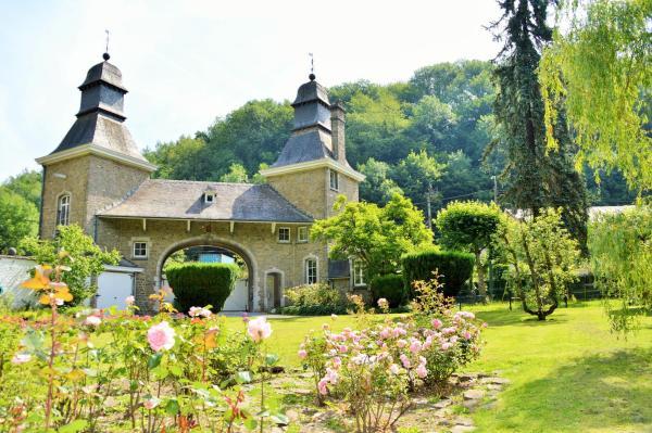 Hotel Pictures: B&B Petit Chateau Les Tourelles, Rivage