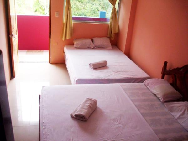 Hotel Pictures: , Puerto López