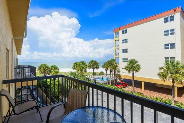 Hotel Pictures: Surf Song - One Bedroom Apartment - 345, St Pete Beach