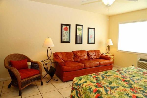 ホテル写真: Surf Song - One Bedroom Apartment - 117, セント・ピート・ビーチ