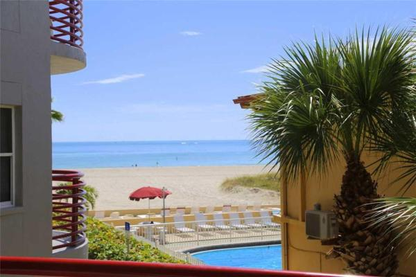Hotel Pictures: Crimson - Two Bedroom Apartment - 104, St Pete Beach