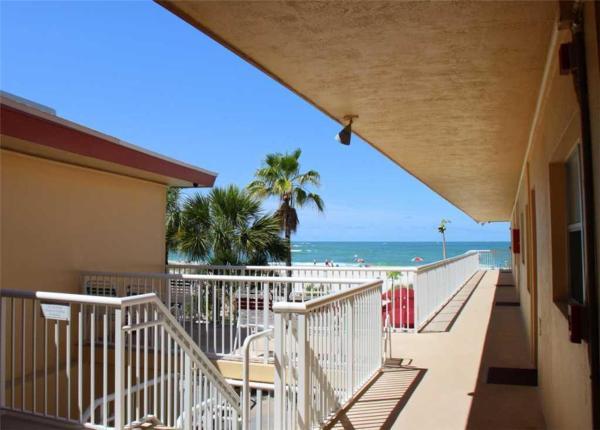 Fotos de l'hotel: Surf Song - One Bedroom Apartment - 229, St Pete Beach