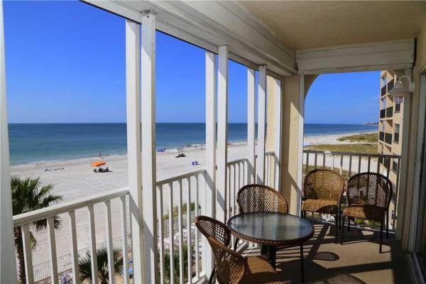 Fotografie hotelů: Beach Place - Three-Bedroom Apartment - 312, St Pete Beach
