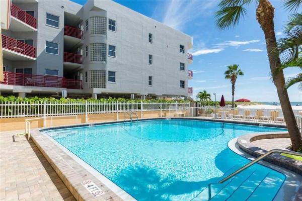 Hotellbilder: Surf Song - One Bedroom Apartment - 116, St Pete Beach