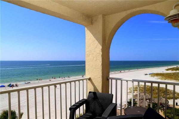 Hotelbilleder: Beach Place - Three-Bedroom Apartment - 412, St Pete Beach