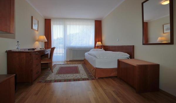 Hotel Pictures: Hotel am Rossberg, Altenahr