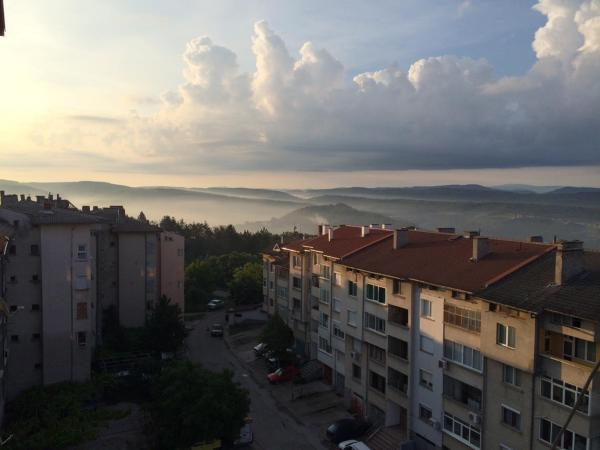 Hotel Pictures: Sky View Apartment, Veliko Tŭrnovo