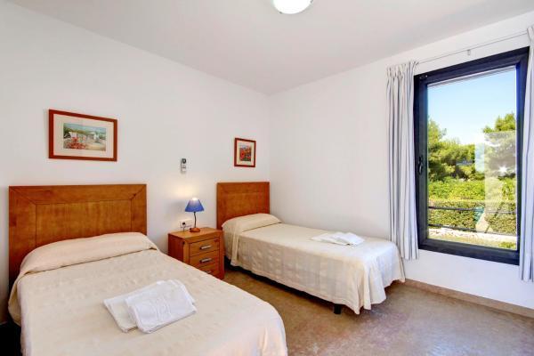 Hotel Pictures: Bini Zahira Villa, Binibeca