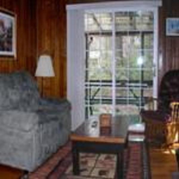 One-Bedroom Cabin - 9