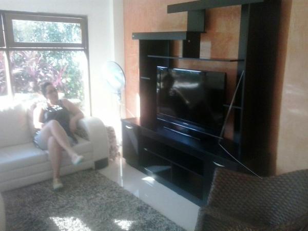 Hotel Pictures: Villa Elyn, Bonda