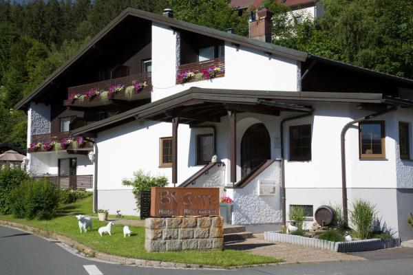 Hotel Pictures: Hotel Restaurant Brigitte, Warmensteinach