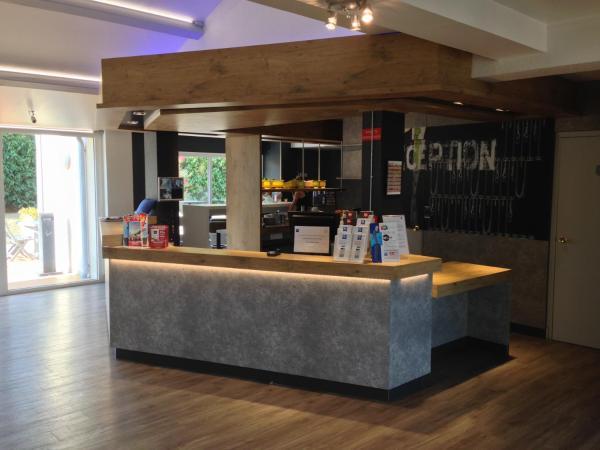Hotel Pictures: ibis budget Agen, Le Passage
