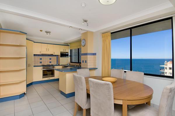 Three-Bedroom Apartment - 8th Floor
