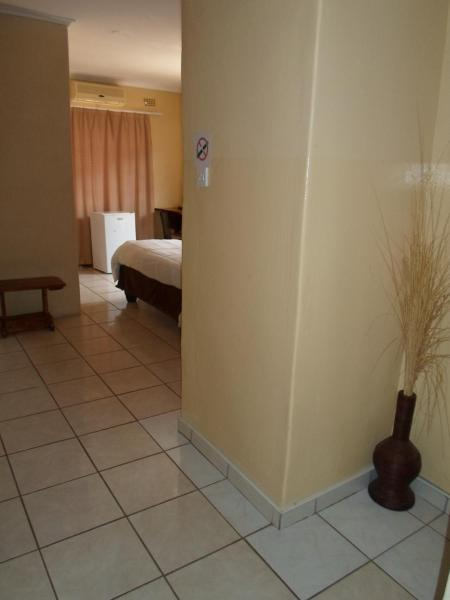 Hotel Pictures: Hardrock Guest House, Francistown