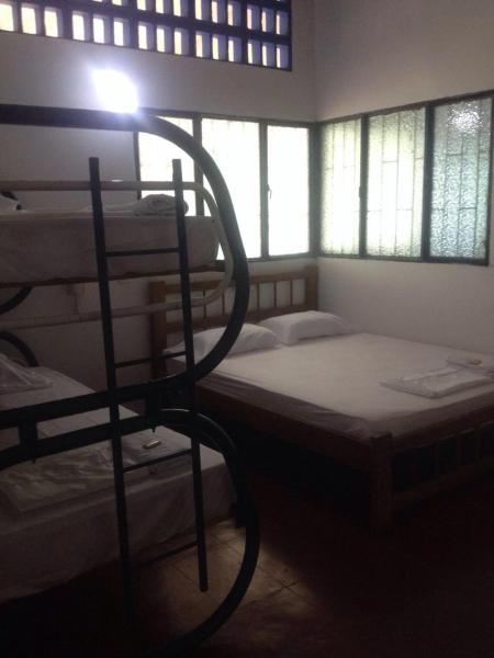 Hotel Pictures: Hostal Amelíe, Honda