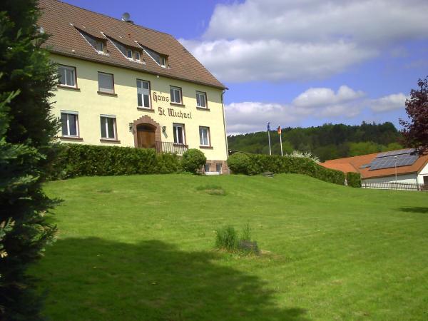 Hotelbilleder: Gästehaus St. Michael, Mossautal