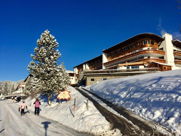 Foto Hotel: Berghoteltirol, Jungholz