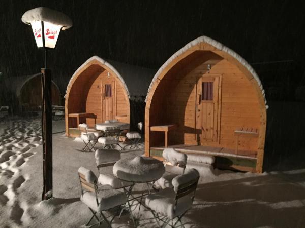 Фотографии отеля: Innside Adventure Cabins & Camping, Хайминг