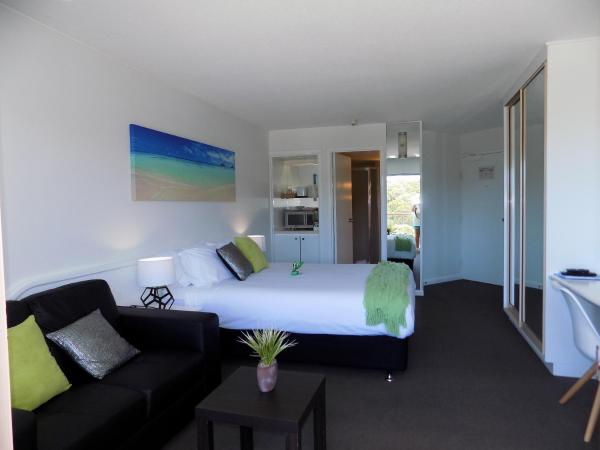 Hotel Pictures: Pacific Bay Resort Penthouse and Studio's, Coffs Harbour
