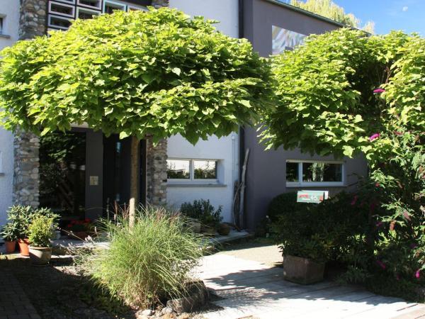 Hotel Pictures: Ferienwohnungen PANO, Friedrichshafen