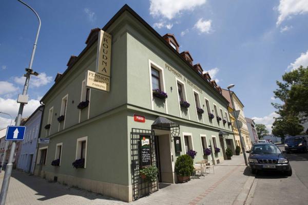 Hotel Pictures: Penzion a Restaurace Stará Roudná, Plzeň
