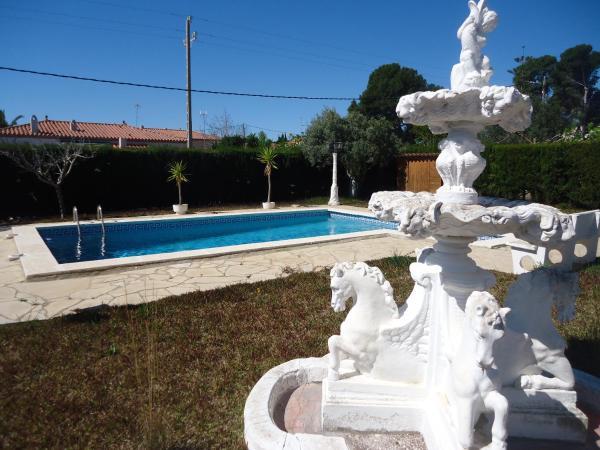 Hotel Pictures: Solsona 4, LAmetlla de Mar