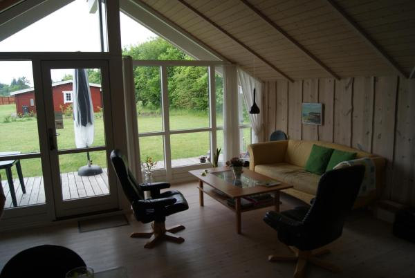 Hotel Pictures: Hovborg Ferieby - Torpet 145, Hovborg