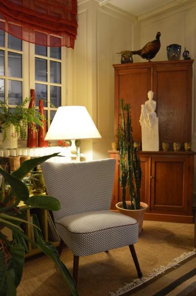 Hotel Pictures: Hotel Auberge des Remparts, Laval