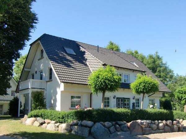 Hotel Pictures: Auszeit auf Rügen Haus Nr. 8, Nardevitz