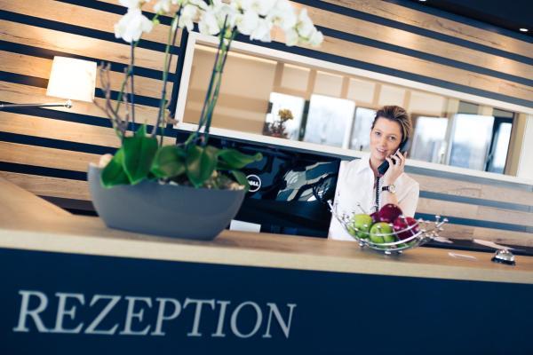 Hotel Pictures: SKY Hotel Cloppenburg, Cloppenburg