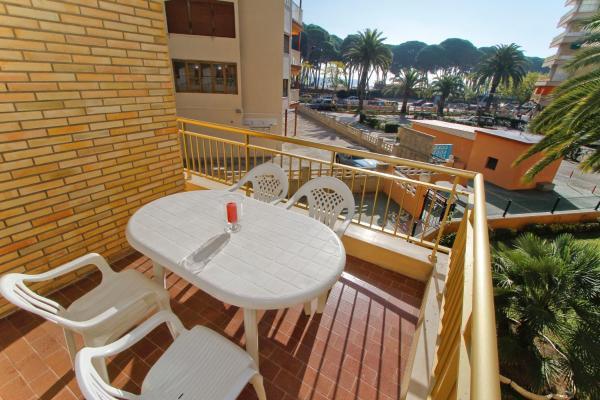 Hotel Pictures: Turismar - Cye 5, La Pineda