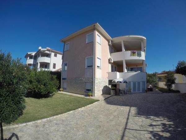 Hotel Pictures: Apartments Maslinski put 3, Biograd na Moru