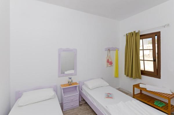 Studio Apartment (2 adults + 1 child)