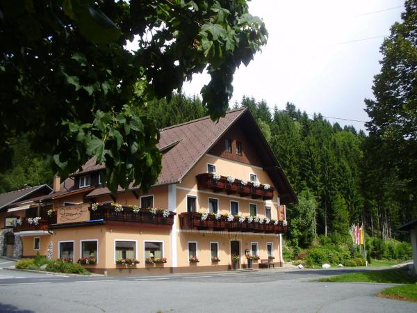 Hotellikuvia: Hotel-Gasthof Strasswirt, Jenig