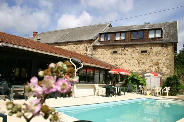 Hotel Pictures: CAMPING MOTO ROUTE 99, Saint-Rémy-de-Blot