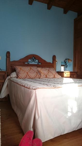 Hotel Pictures: Casa Adela El Tuxu, Perlleces