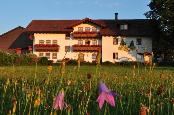 Hotel Pictures: Bauernhof Bauer, Zwiesel