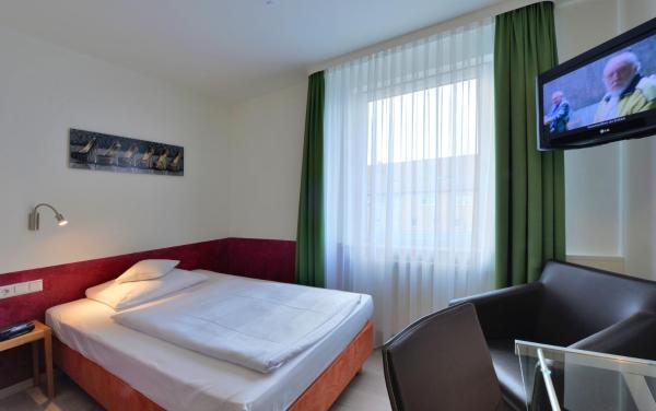Hotel Pictures: Businesshotel Rosenau, Esslingen