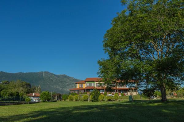 Hotel Pictures: , Llames de Pría