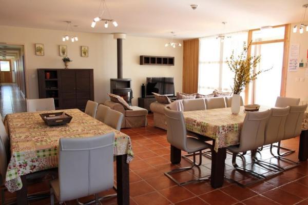 Hotel Pictures: Gîte de groupe Les Dames Vertes, Mesples