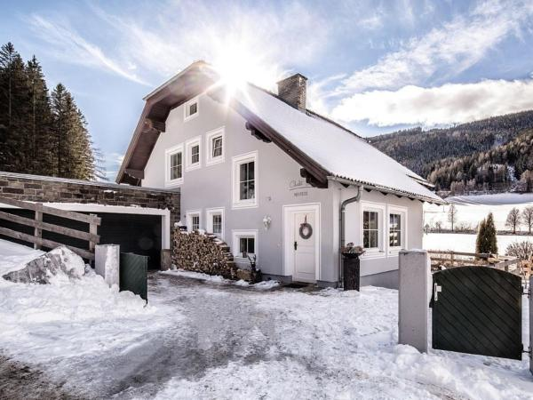 Hotel Pictures: Chalet 32, Mauterndorf