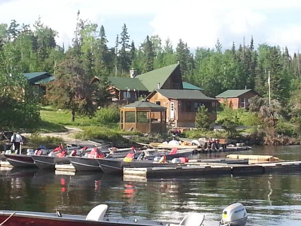 Hotel Pictures: Sydney Lake Lodge, Red Lake