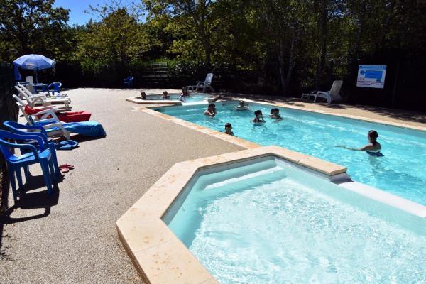 Hotel Pictures: L'Aquarelle du Limousin - Camping, La Souterraine