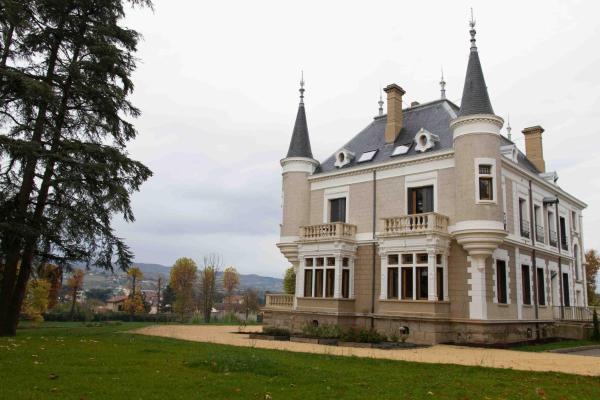 Hotel Pictures: , Saint-Paul-en-Jarez